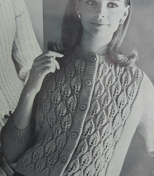 Long-Sleeved Vintage Cardigan Leaf Stitch Free Pattern