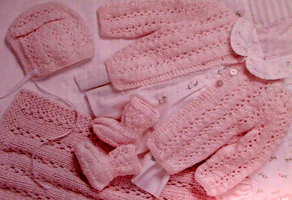 Baby Sweater, Baby Hat, Baby Booties Knitting Pattern