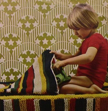 Striped Zipped Cushion Blanket Knitting Pattern Chunky Yarn