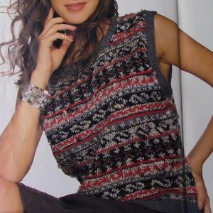 Women's Top in Fair-Isle/Jacquard Stitch - DK Yarn - Sizes S, M, L